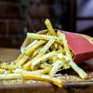 french fries with parmesan and garlic